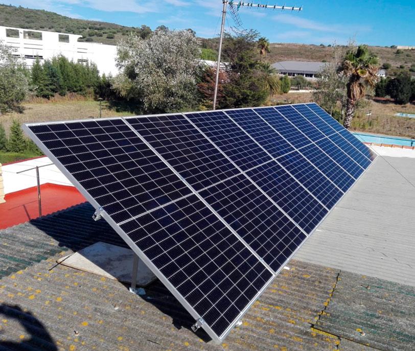 Instalaciones solares fotovoltaicas autoconsumo contectadas a la red - Efisolar Energías Renovables - Cádiz - Arcos de la frontera